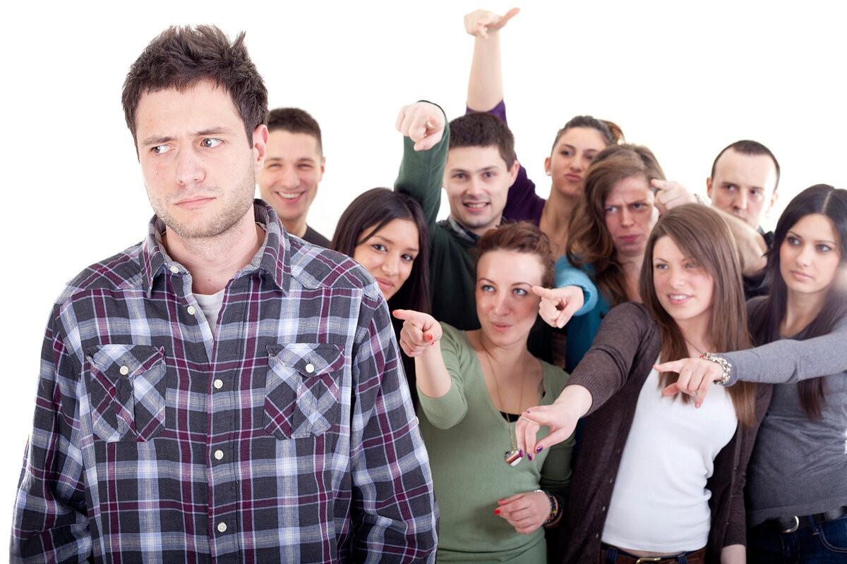 5 признаков того, что близкие люди тянут вас на дно