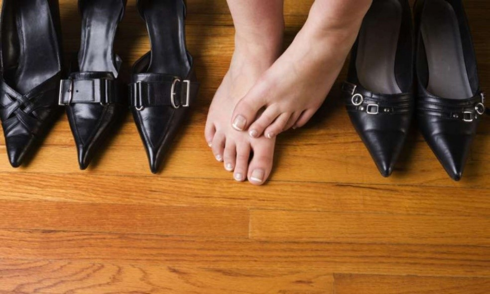 Почему чужая обувь приносит несчастье?