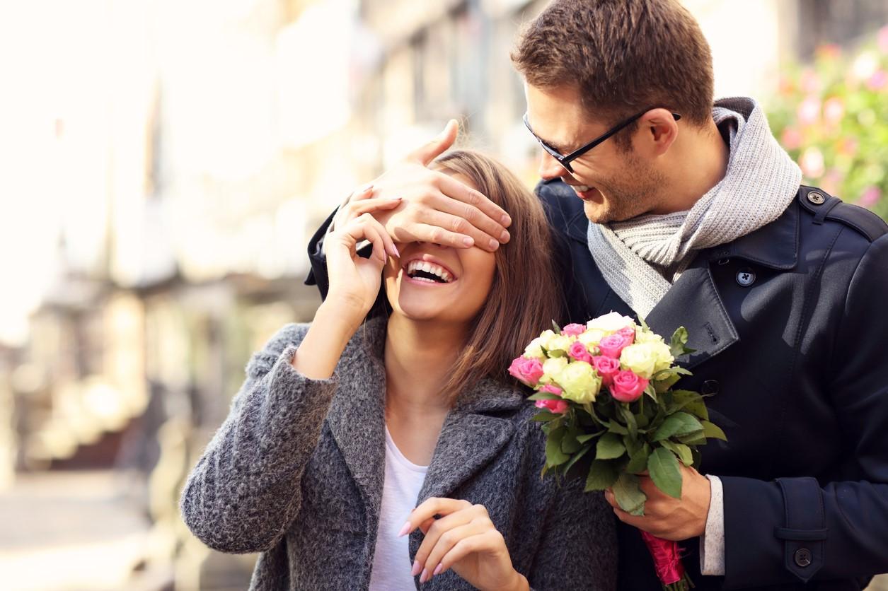 Как мужчина в паре может повлиять на женственность партнерши