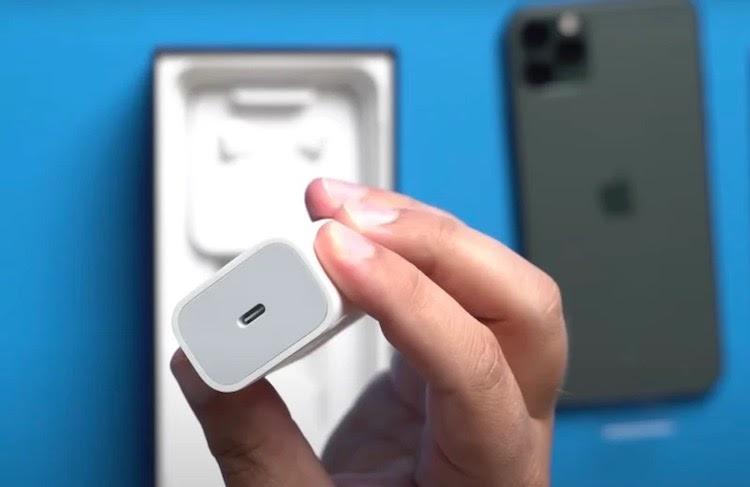 Зарядка iPhone 12 Pro Max: как сделать и чем